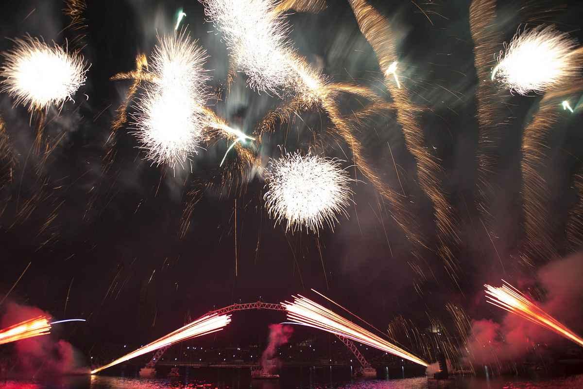 sommernachtstraum feuerwerk drohne olympiapark 2015